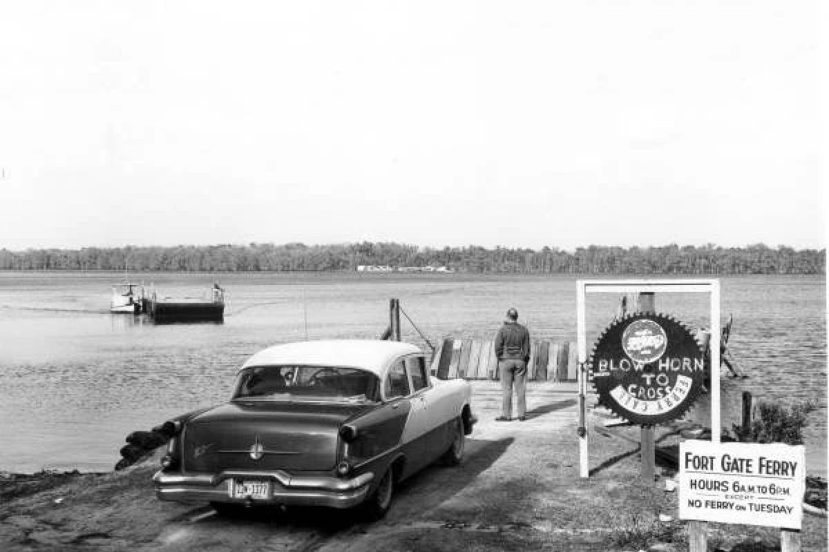 Fort Gates Ferry